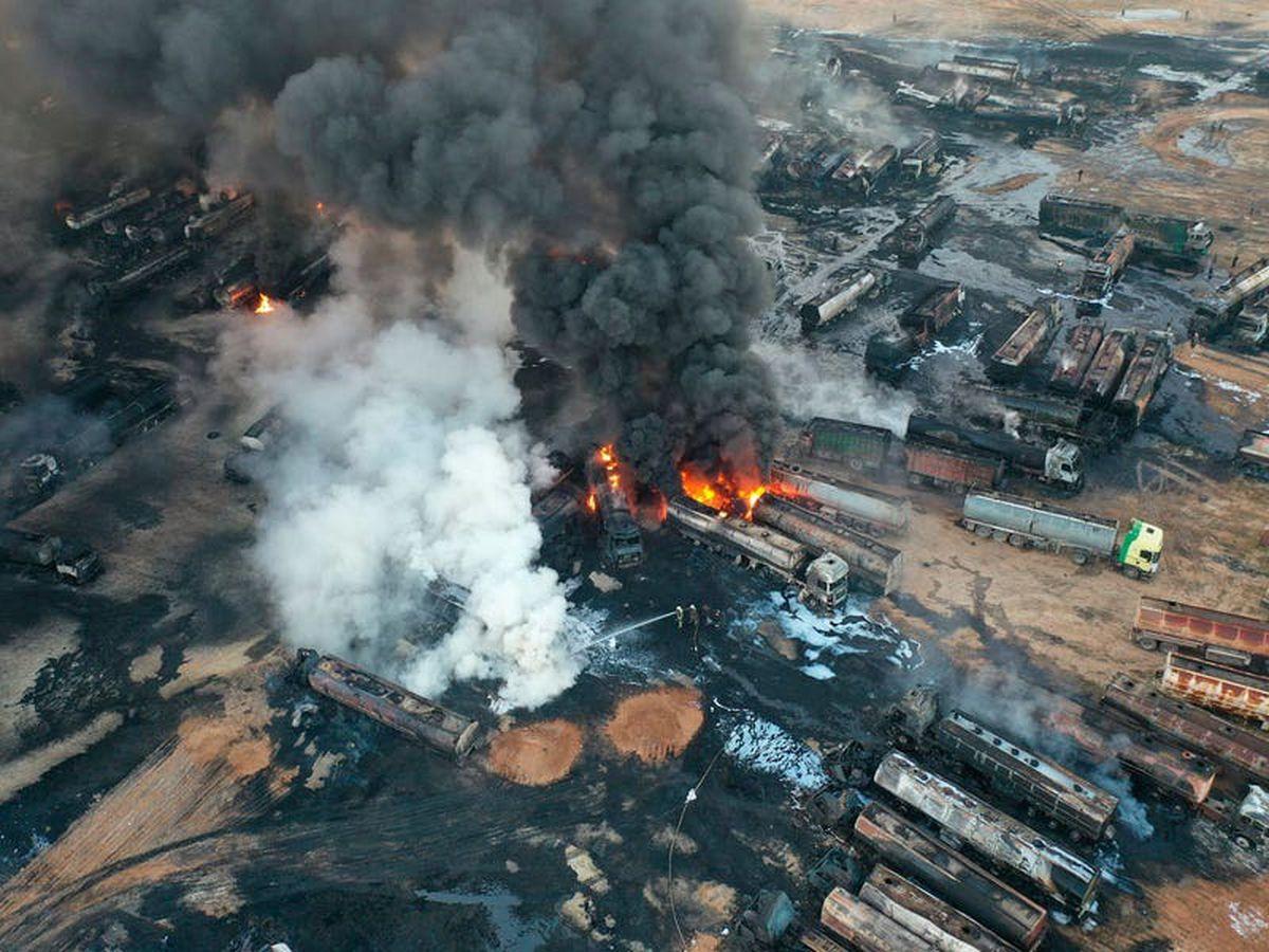 Huge blaze after oil facility strike in Syria