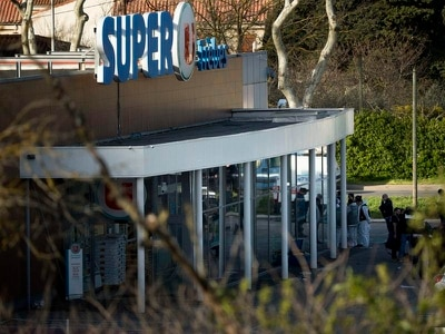 'Islamic State' gunman killed after taking hostages at supermarket