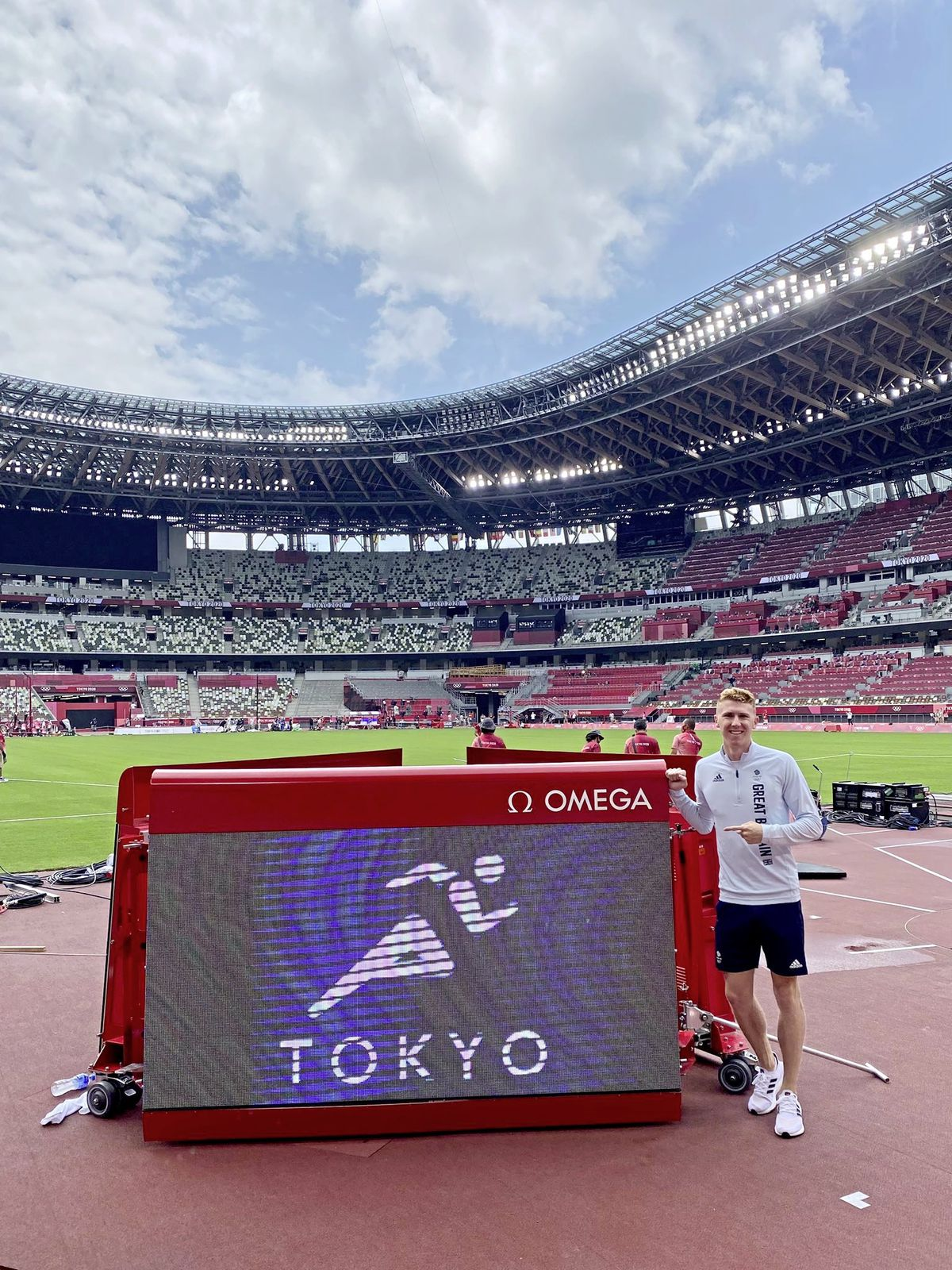 Cameron Chalmers at the Olympic Stadium in Tokyo. (Picture @CamChalmers400, 29808382)