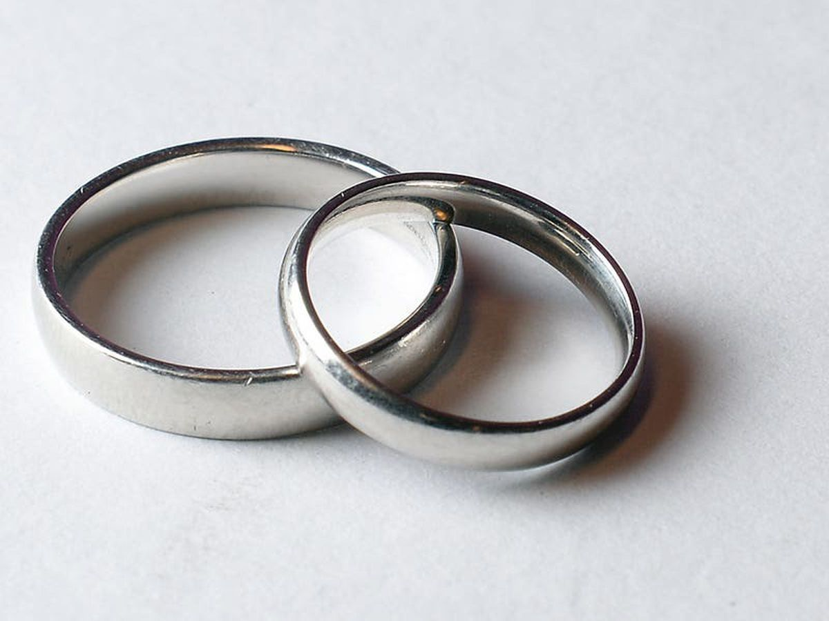 Both parents' names to be included on marriage certificate
