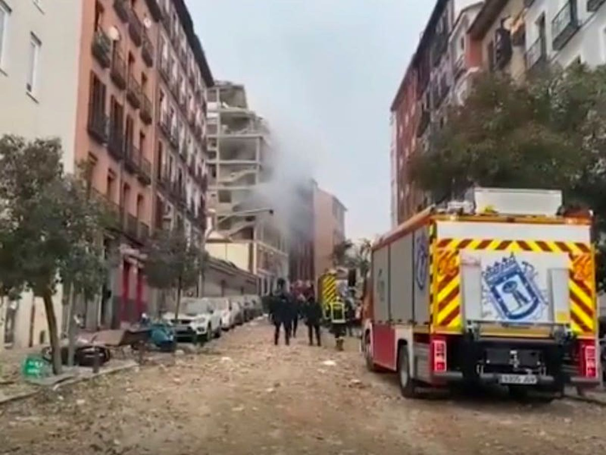 Blast partly destroys building in Madrid