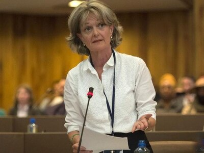 Hecklers urge council leader to quit amid Grenfell Tower tensions
