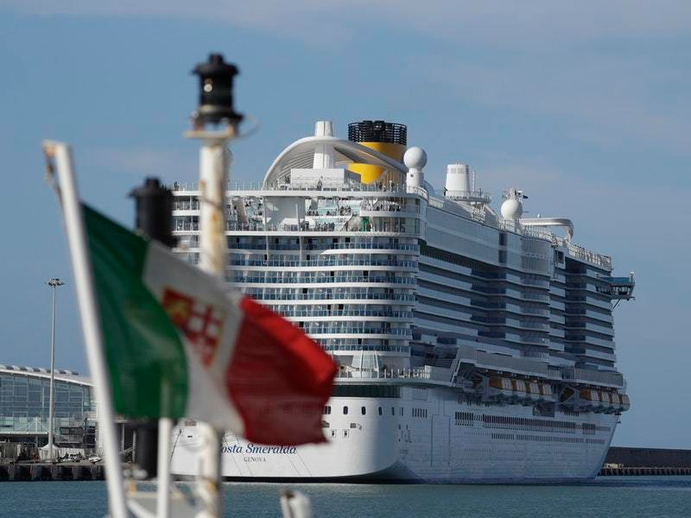 7000 trapped on cruise ship 'hit by coronavirus outbreak'