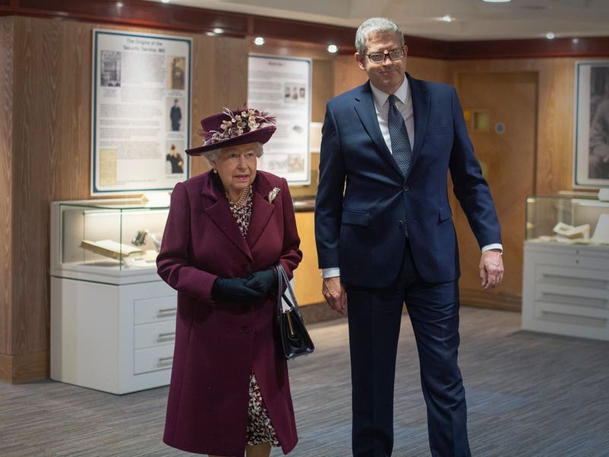 Queen welcomes her new Lord Chamberlain