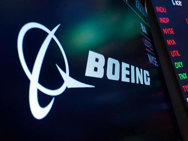 Boeing suffers big losses over problems with 787 Dreamliner and space capsule