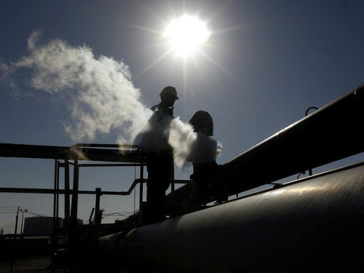 United States  crude, fuel stockpiles drop sharply amid hurricane