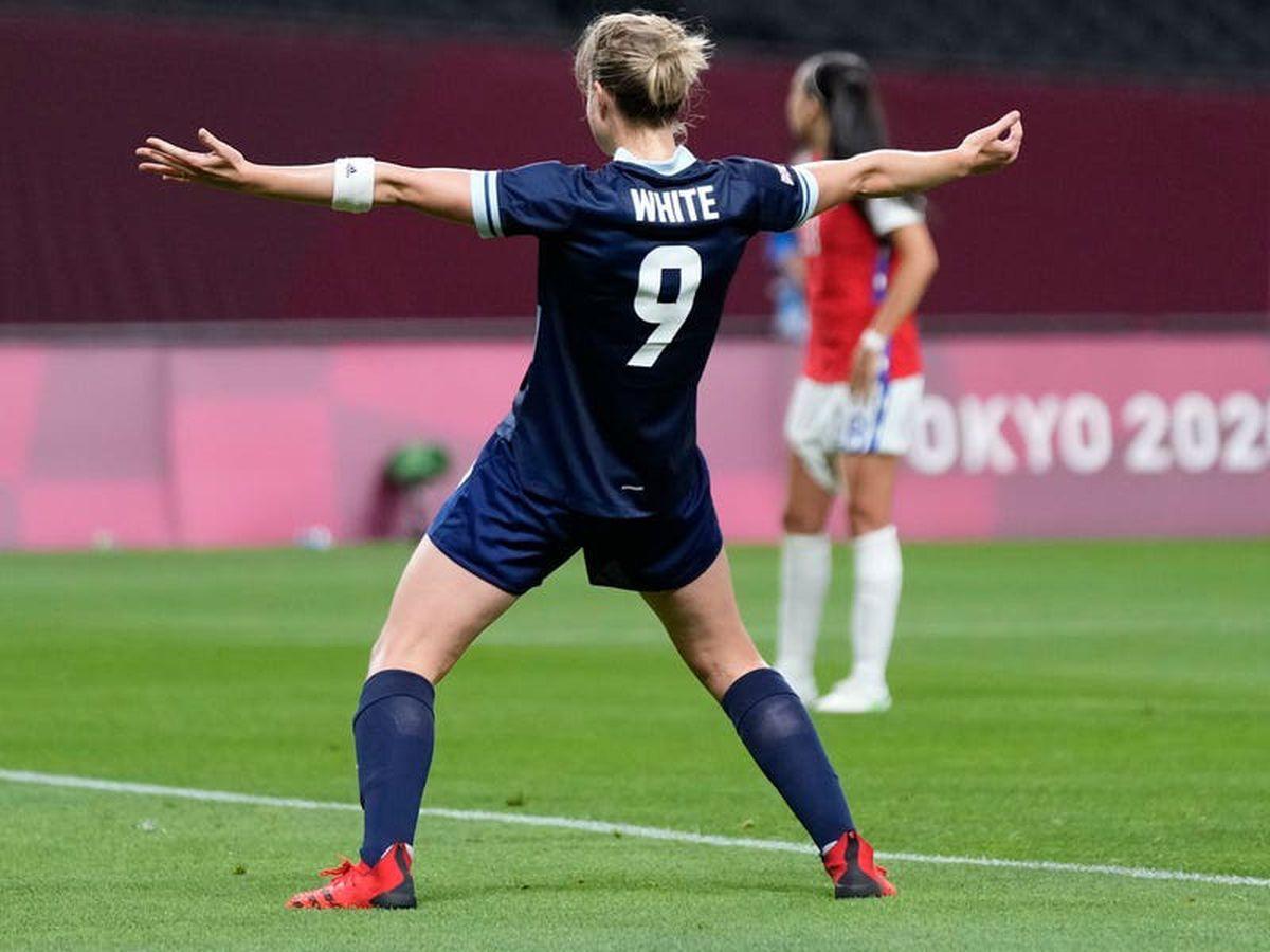 Ellen White on target again as Team GB battle past Japan to reach quarter-finals