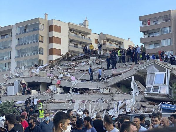 14 killed as strong earthquake hits Turkish coast