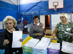 Pro-Kremlin party retains large majority in Russian parliament