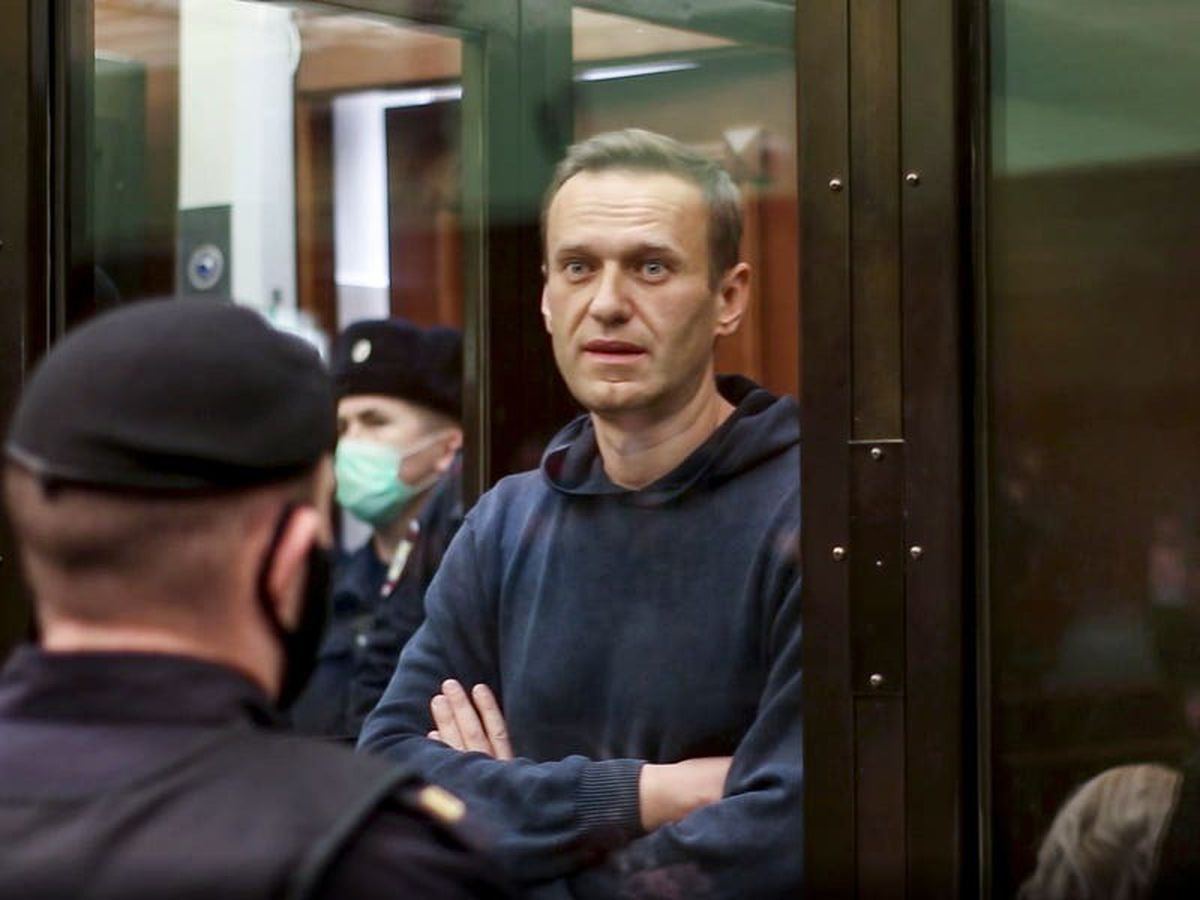 Kremlin defends thousands of arrests at pro-Navalny protests