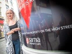 'Appalling' estate agents leave woman £2k in debt
