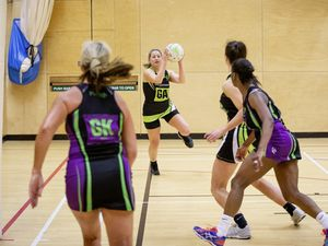 Picture by Sophie Rabey.  04-02-20.  Netball at Les Beaucamps.  Titans A vs Rezzers Green.. (27084180)