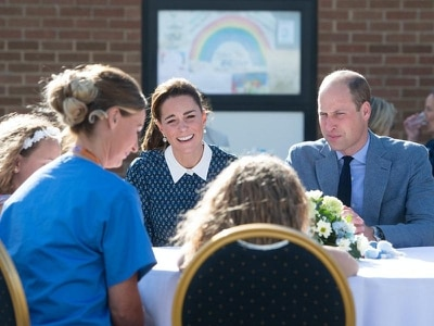 Duke of Cambridge praises 'fantastic' NHS as royal couple meet healthcare heroes