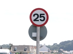 25mph limit in centres 'good for pedestrians'