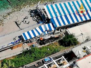 Driver dies after bus plunges off road on Capri