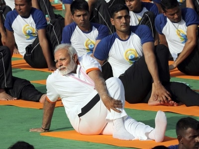 Thousands join Indian PM to celebrate world yoga day