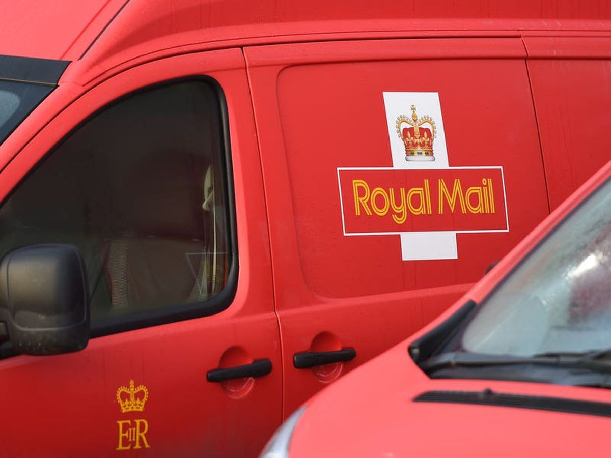 Twitter delighted as Royal Mail says elastic bands can be posted for reuse