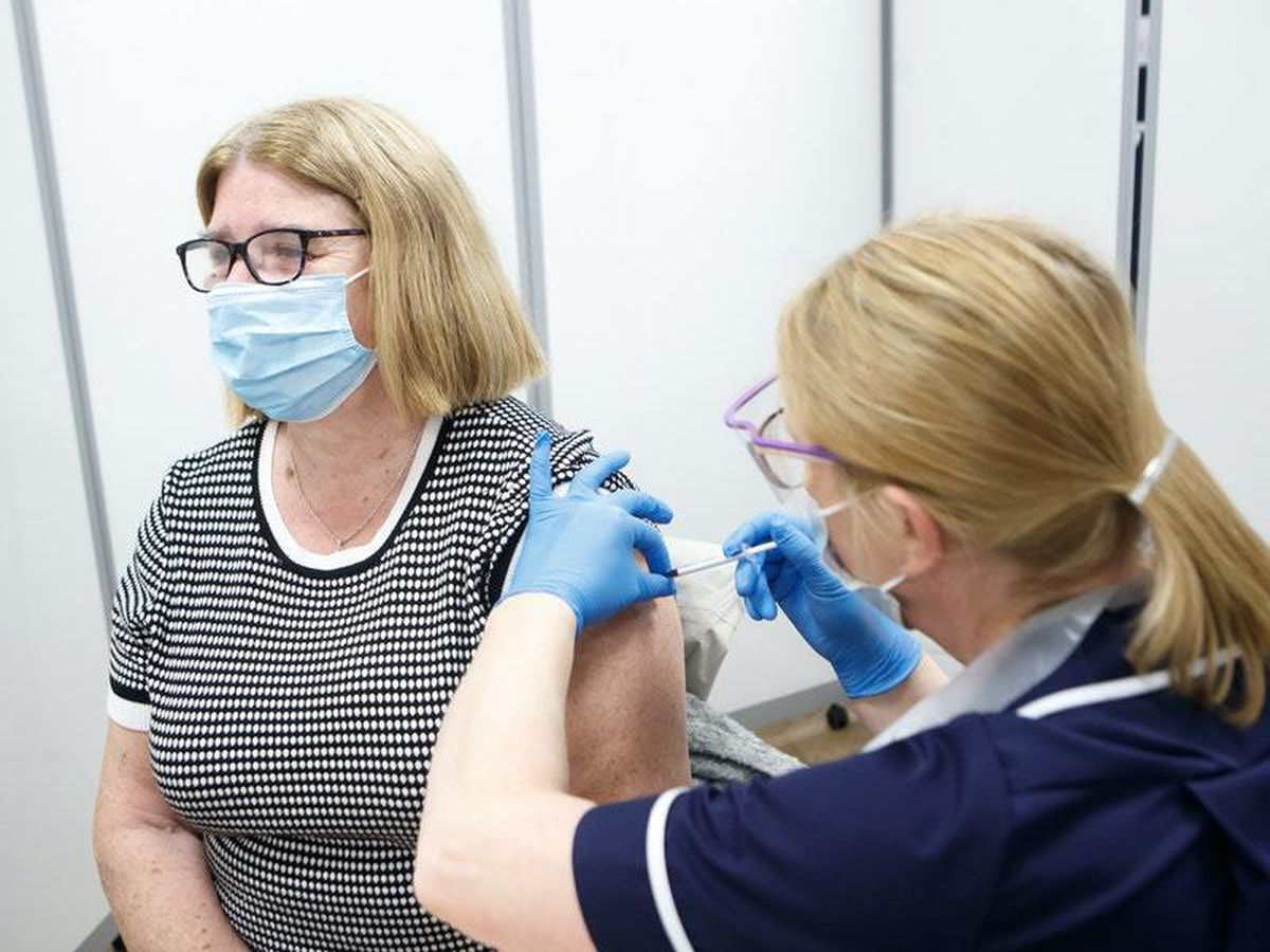 GPs criticise 'unfair' decision to delay second dose of Covid vaccines