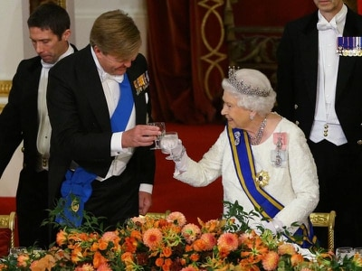 Queen looks to 'new partnership with Europe' as she toasts Dutch royals