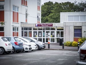 Picture by Sophie Rabey.  11-06-20.  Interview with La Mare De Carteret High School headteacher Vicky Godley regarding how its been with the reopening of Schools during Coronavirus Lockdown.  GENERIC LA MARE BUILDING PIC. (29601260)