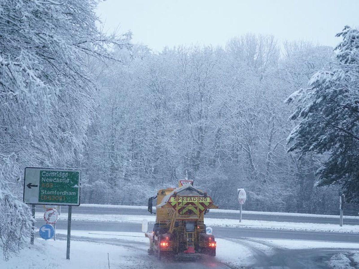 Heavy snow batters parts of UK and patients urged to rebook Covid vaccinations