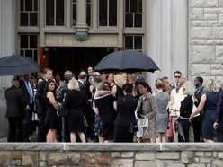 Hundreds attend funeral for fashion designer Kate Spade