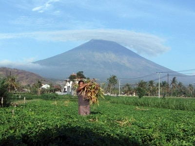 What you need to know about Bali's Mount Agung volcano as people fear imminent eruption