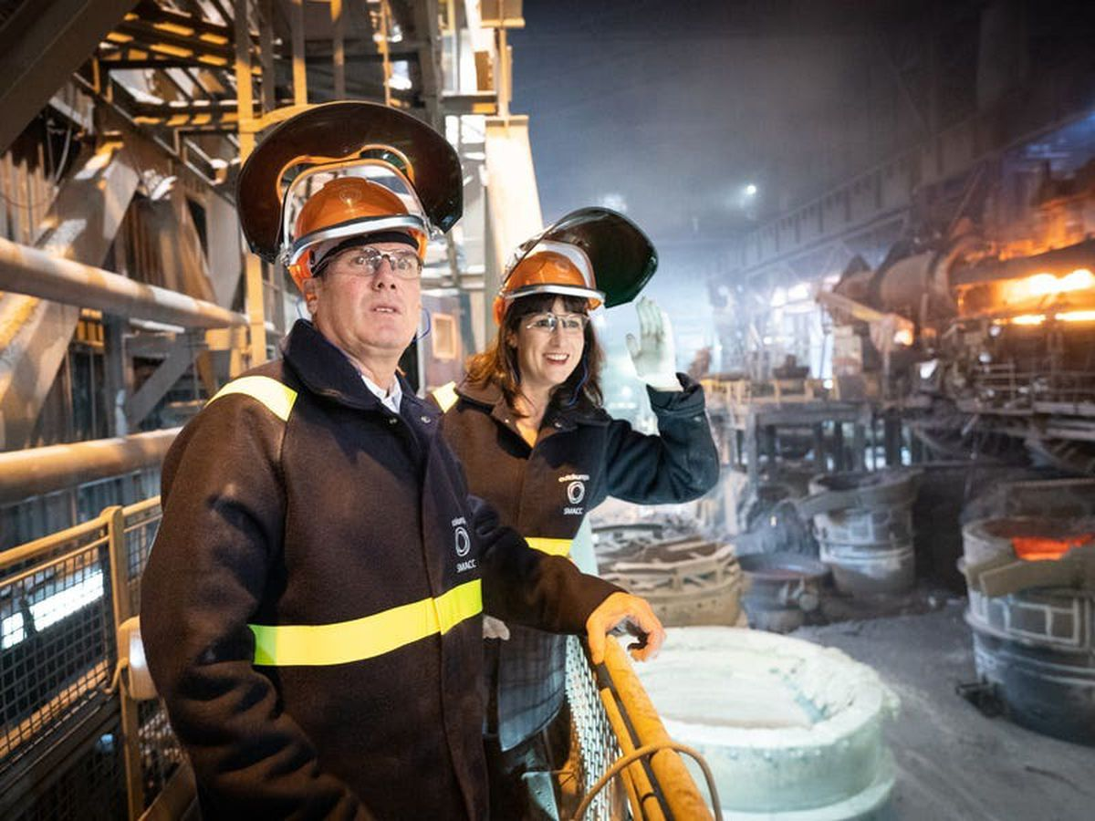 Starmer calls on ministers to end 'squabbling' and back steel industry