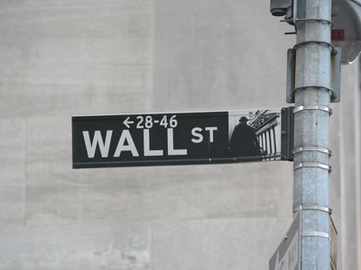 US stocks plunge steeply for second day