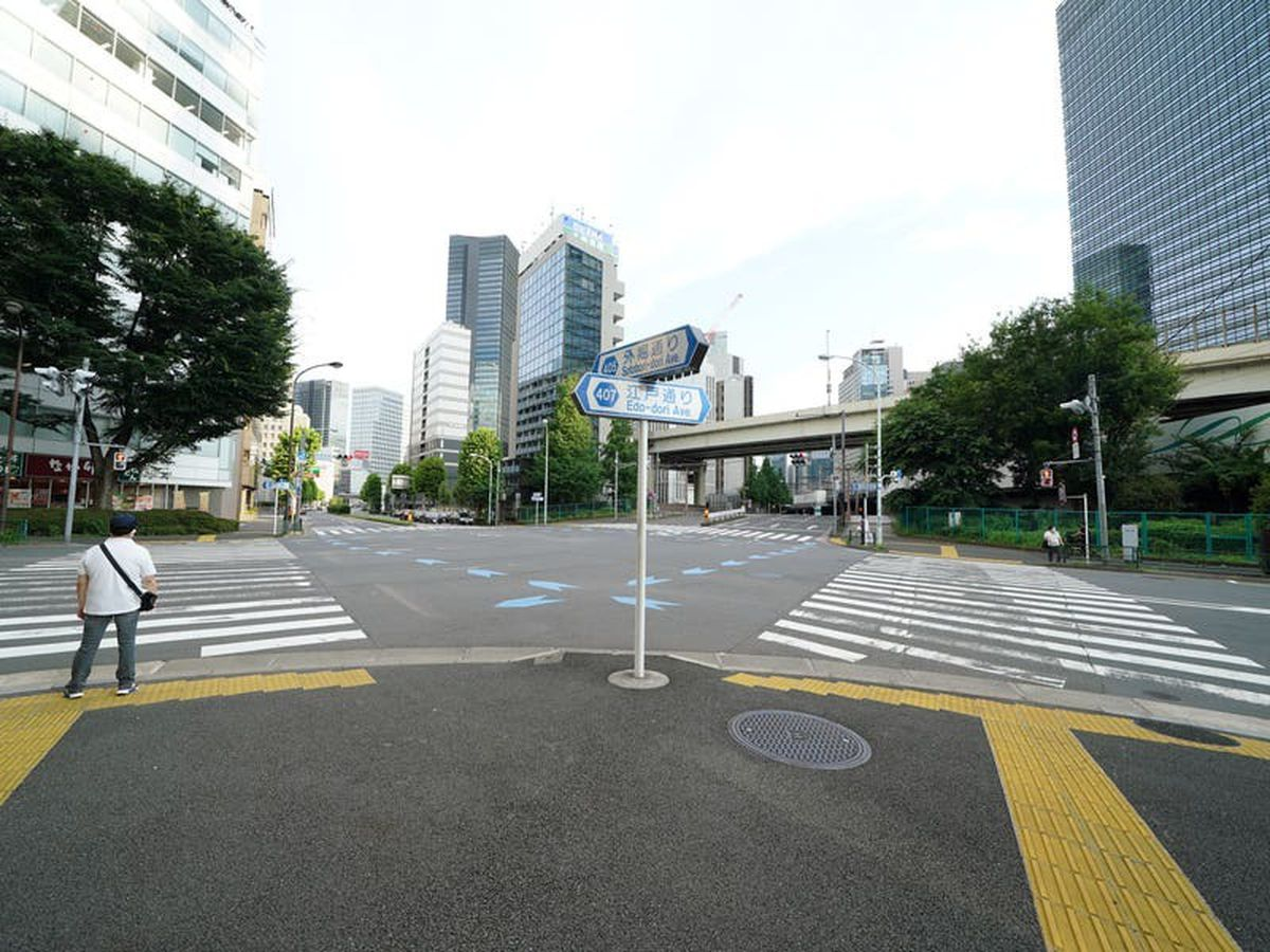 Hotel quarantine leaves visiting media straining on their Tokyo starting blocks