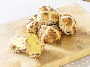 Tim's hot cross buns. (29374715)