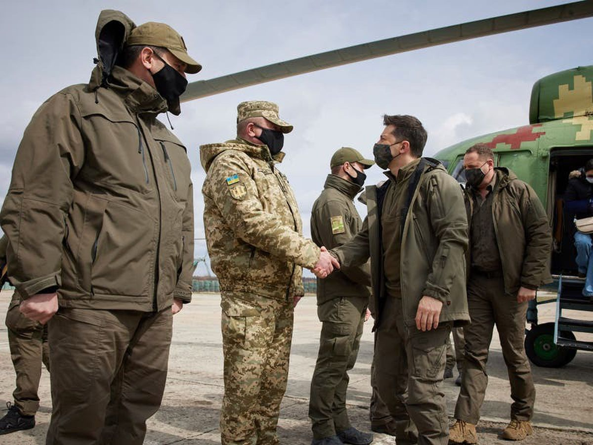 Ukraine's president visits conflict zone in east of country