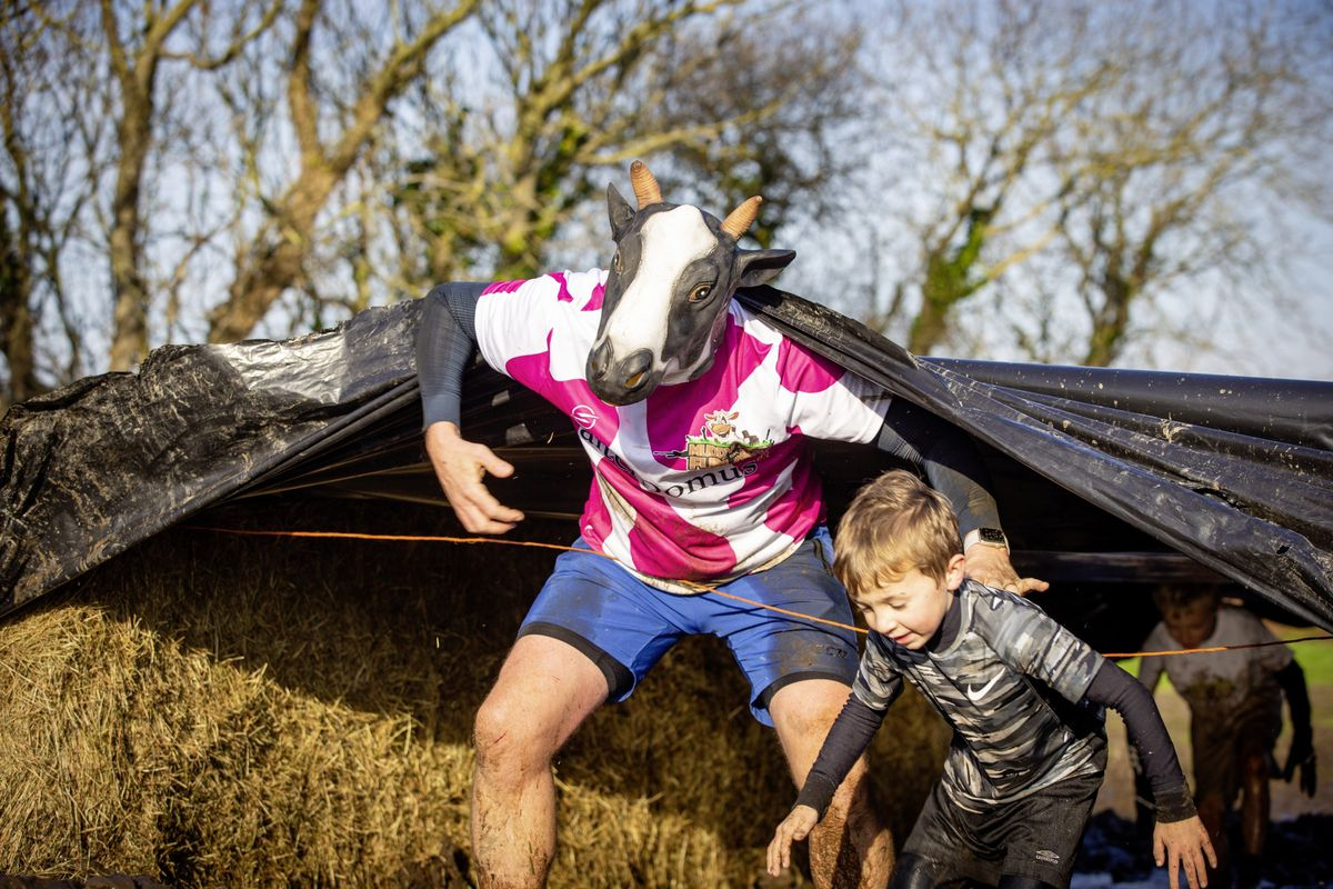 Picture by Sophie Rabey.  29-11-20. Muddy Cow Fun Run Vazon/Grande Mare. (28963016)