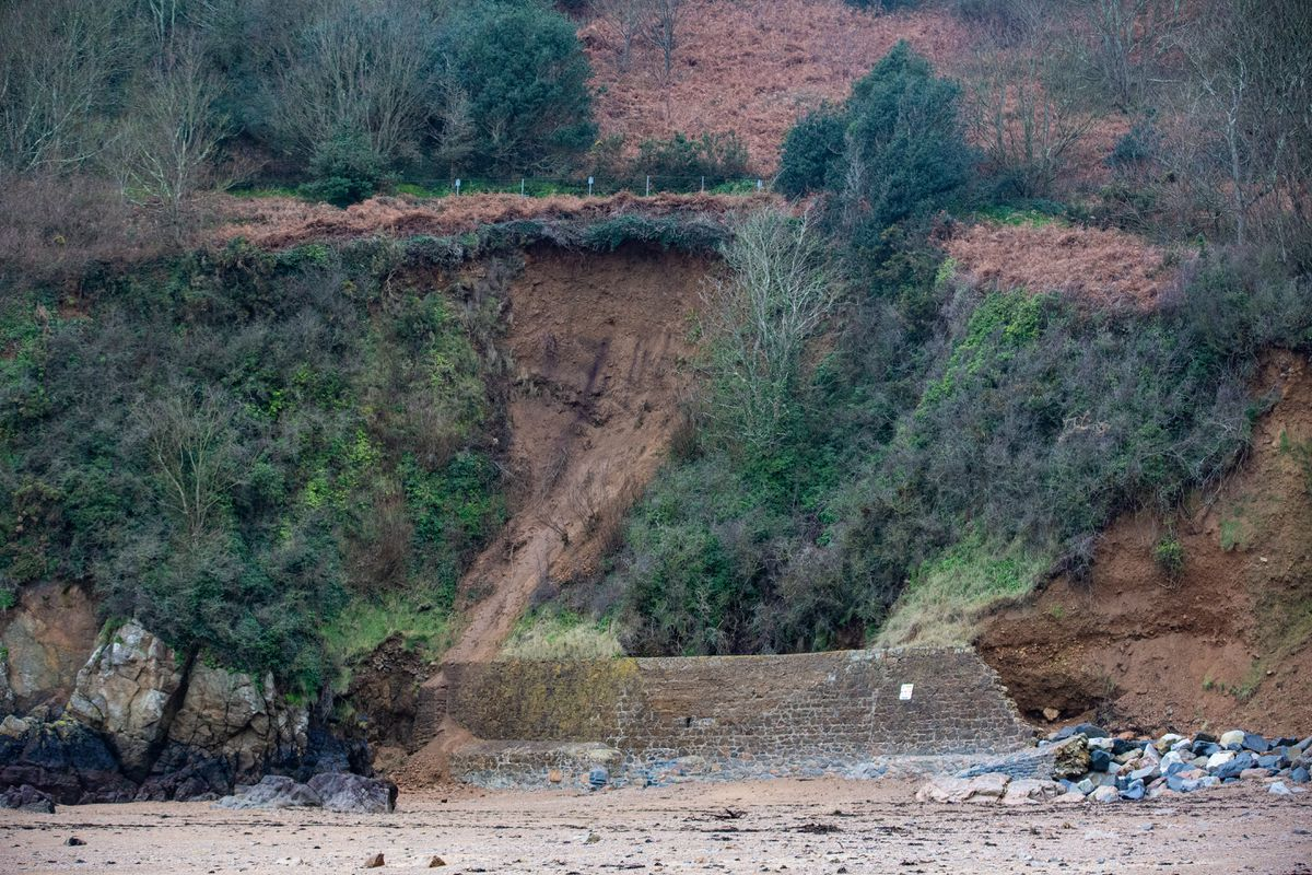 A landslide at Fermain Bay is now eroding the cliff face close to the public path above. (Picture by Peter Frankland, 29108372)