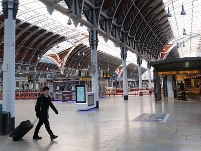 Major disruption at Paddington Station after damage to overhead wires