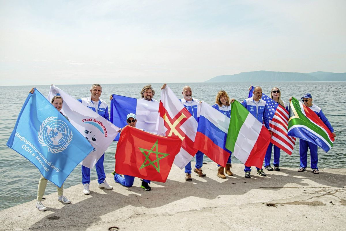International swimmers try to conquer Russias vast Lake