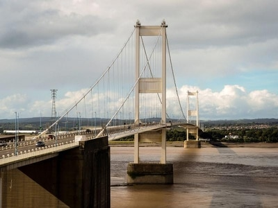 Scrapping Severn bridges toll 'could increase traffic and business costs'