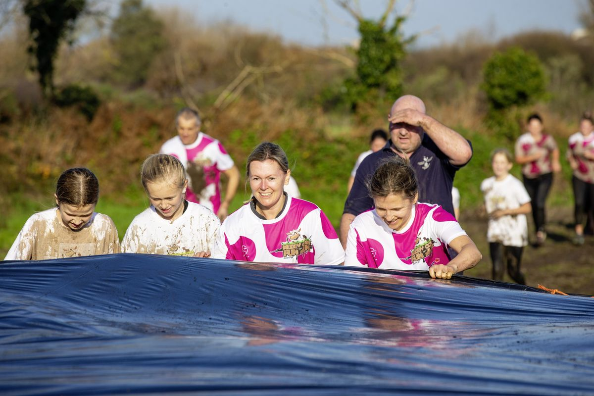 Picture by Sophie Rabey.  29-11-20. Muddy Cow Fun Run Vazon/Grande Mare. (28963020)