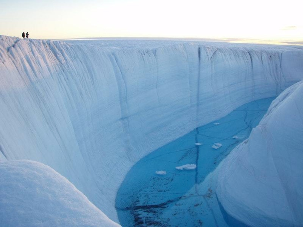 Fears for Greenland and its ice as heatwave makes its way north