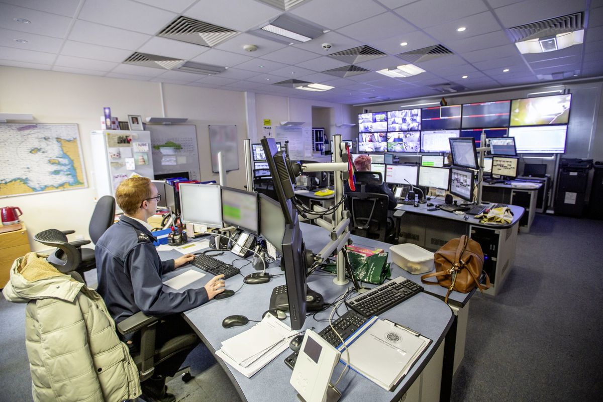 Picture by Sophie Rabey.  13-10-20..A day in the life of JESCC at the Police Station.  Joint Emergency Services Control Centre..Generic JESCC. (28810360)